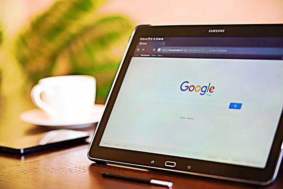 구글 '비트코인' 검색 75% 이상 감소…가격에도 악영향