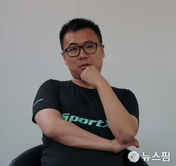"""[인터뷰] """"가상화폐로 호날두에 투자"""" 싱가포르 블록체인기업 SportX의 리전보 대표"""