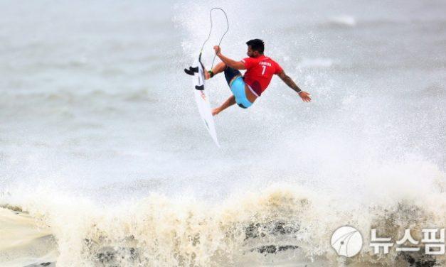 [사진] 시원한 서핑