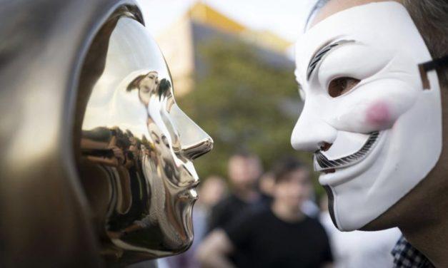 사토시와 브이 포 벤데타 –성공을 앞두고 사라진 혁명과 저항의 아이콘
