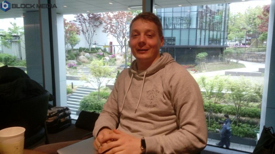 ▲24일 데이트코인의 CEO Nikita Anufriev(니키타 아누프라이브, 러시아)와 블록미디어가 인터뷰를 진행했다.